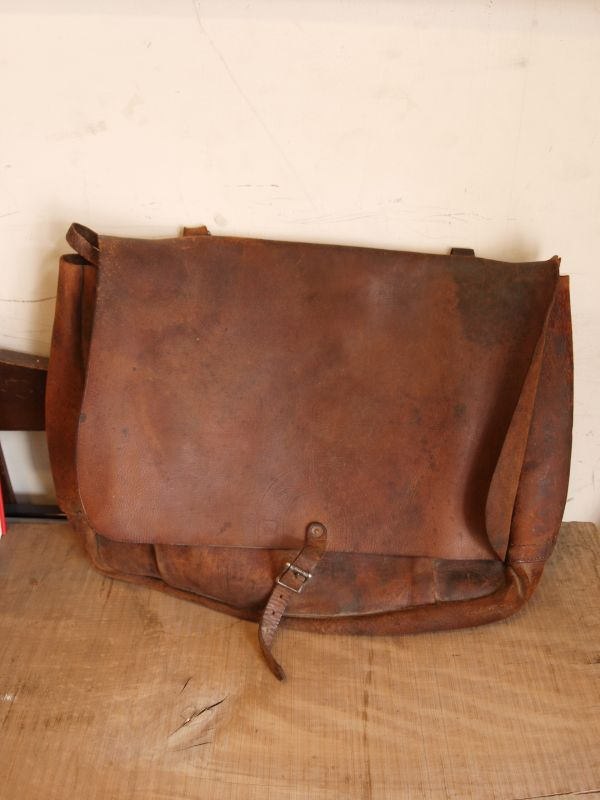 画像1: 1941 US.MAIL LEATHER BAG Large Size